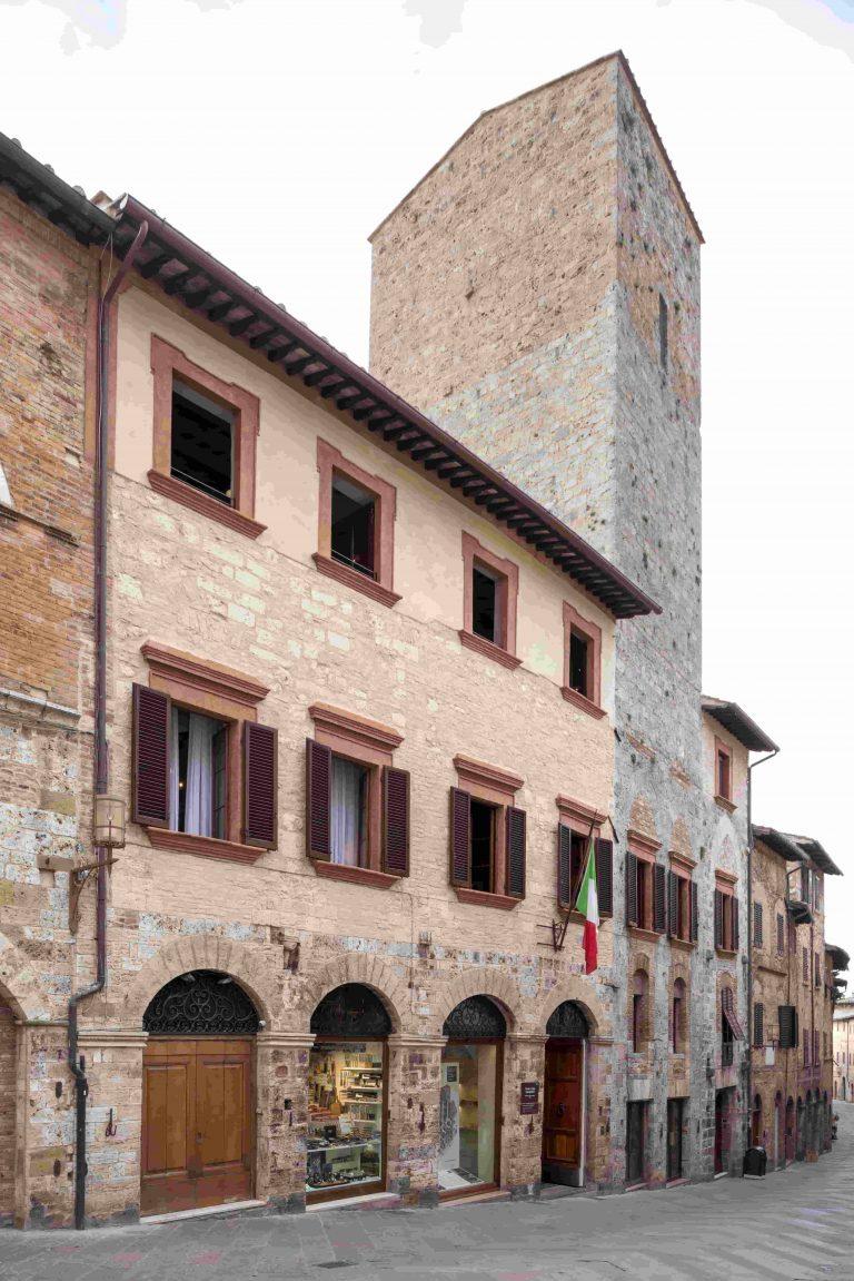 Dimore_Quartetto_Torre_Casa-768x1151